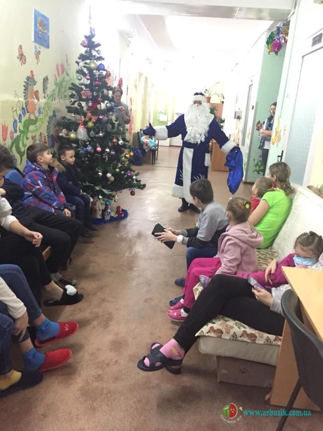 Дед Мороз в детской больнице